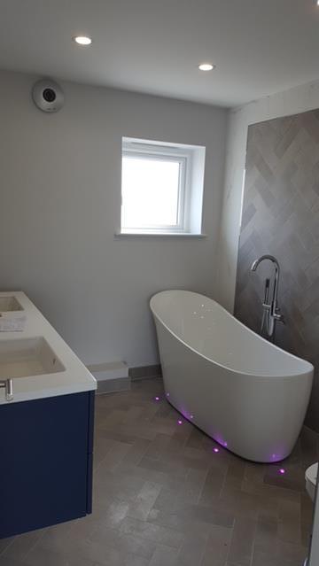 la-hougue-bathroom.jpg